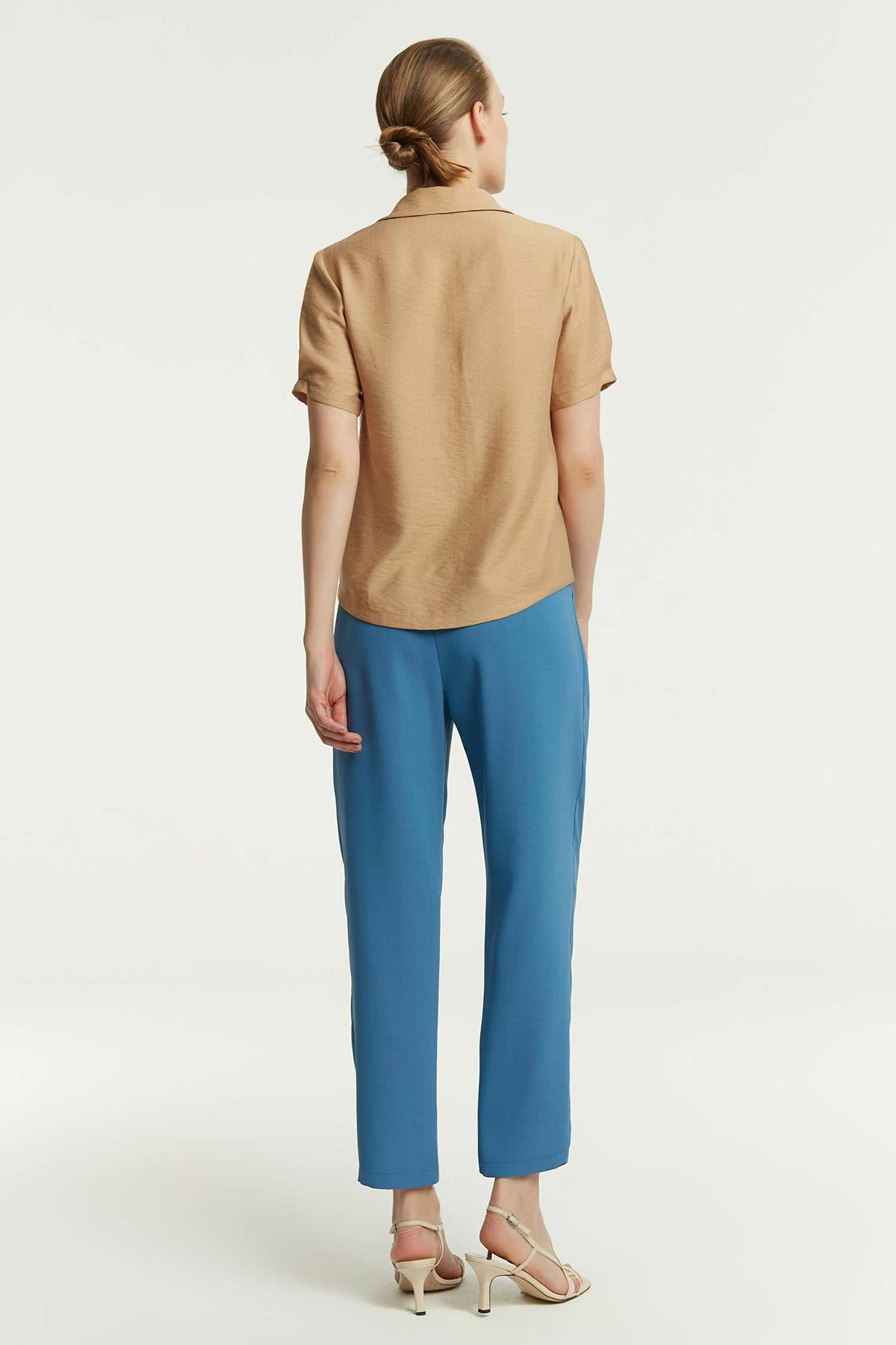 Sim Şerit Detaylı Bluz Camel