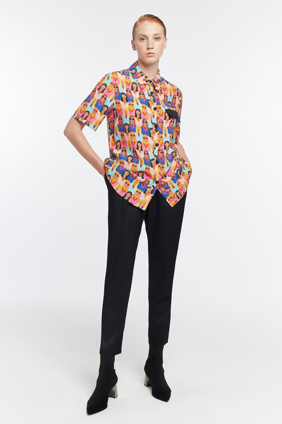Kadın figürlü gömlek Fuşya
