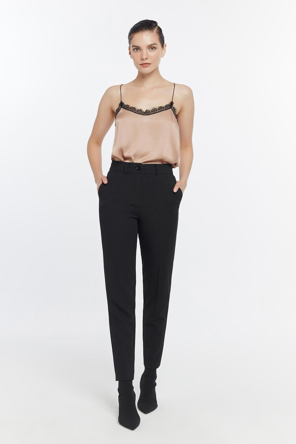 Klasik kesim pantolon Siyah