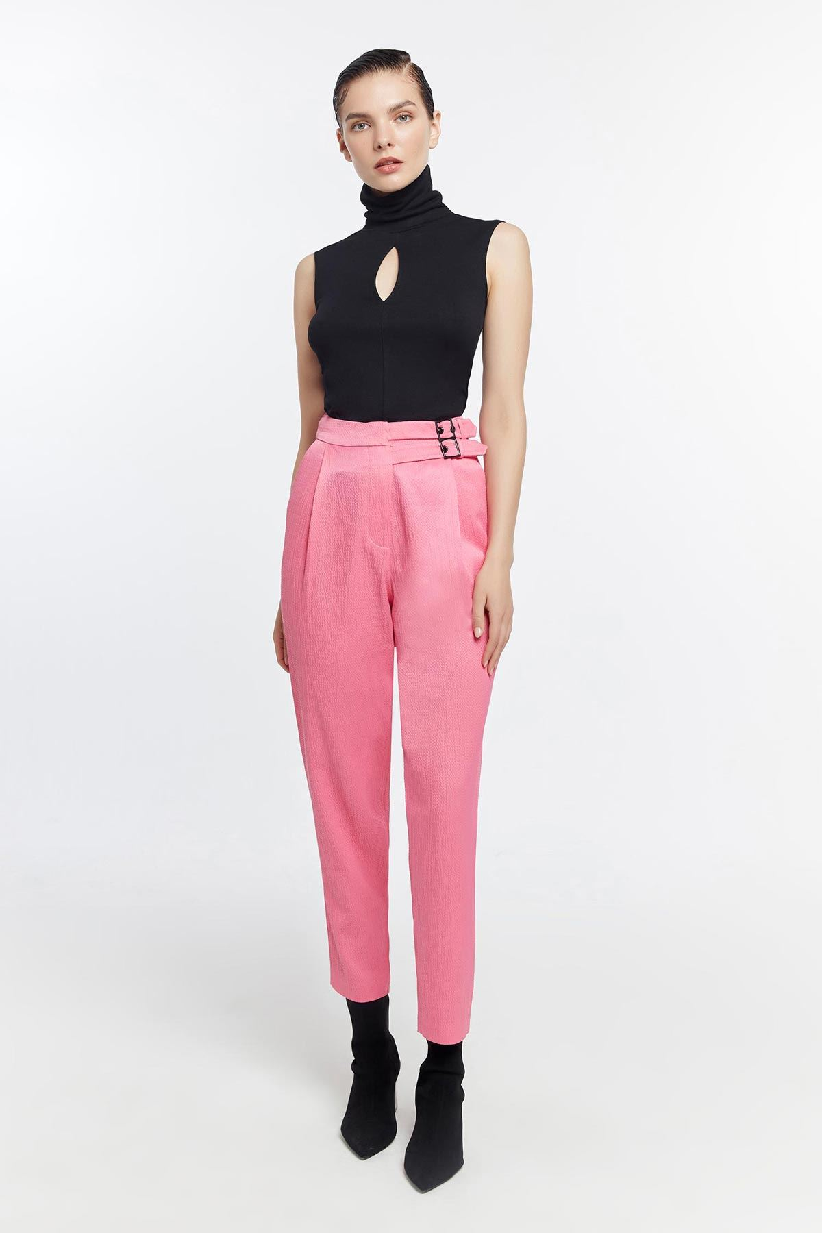 Yan tokalı pantolon Pembe