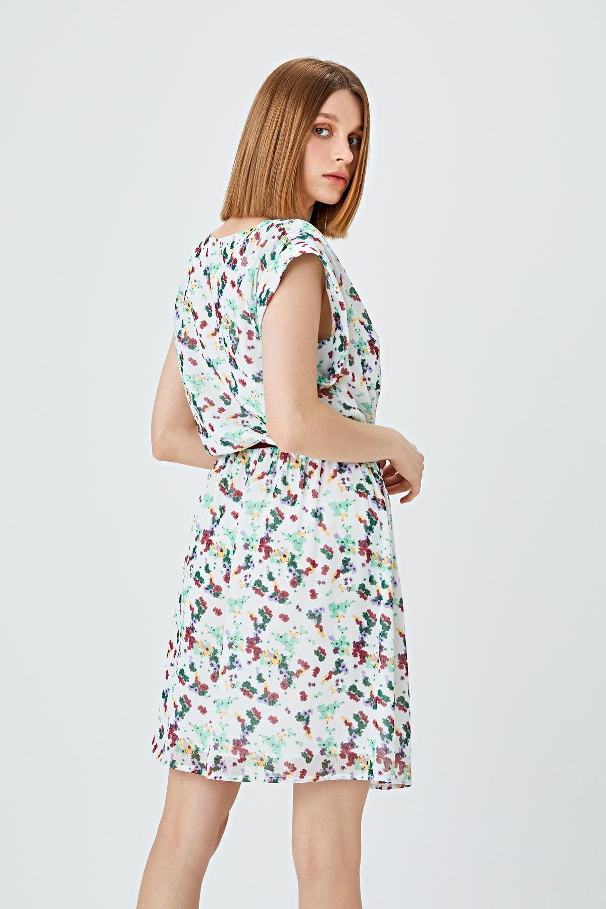 Kontrast aksesuarlı elbise Yeşil