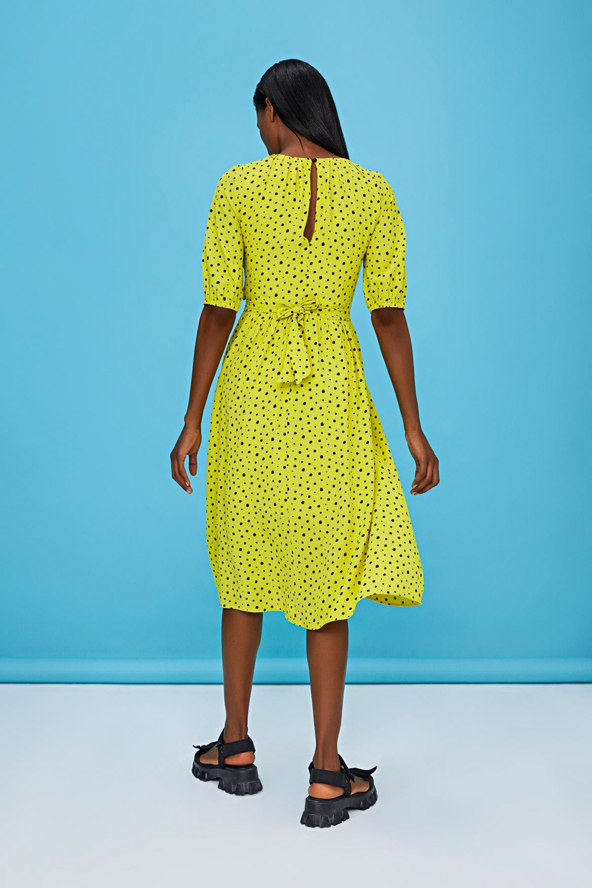Çapraz bağlamalı oversize elbise Sarı