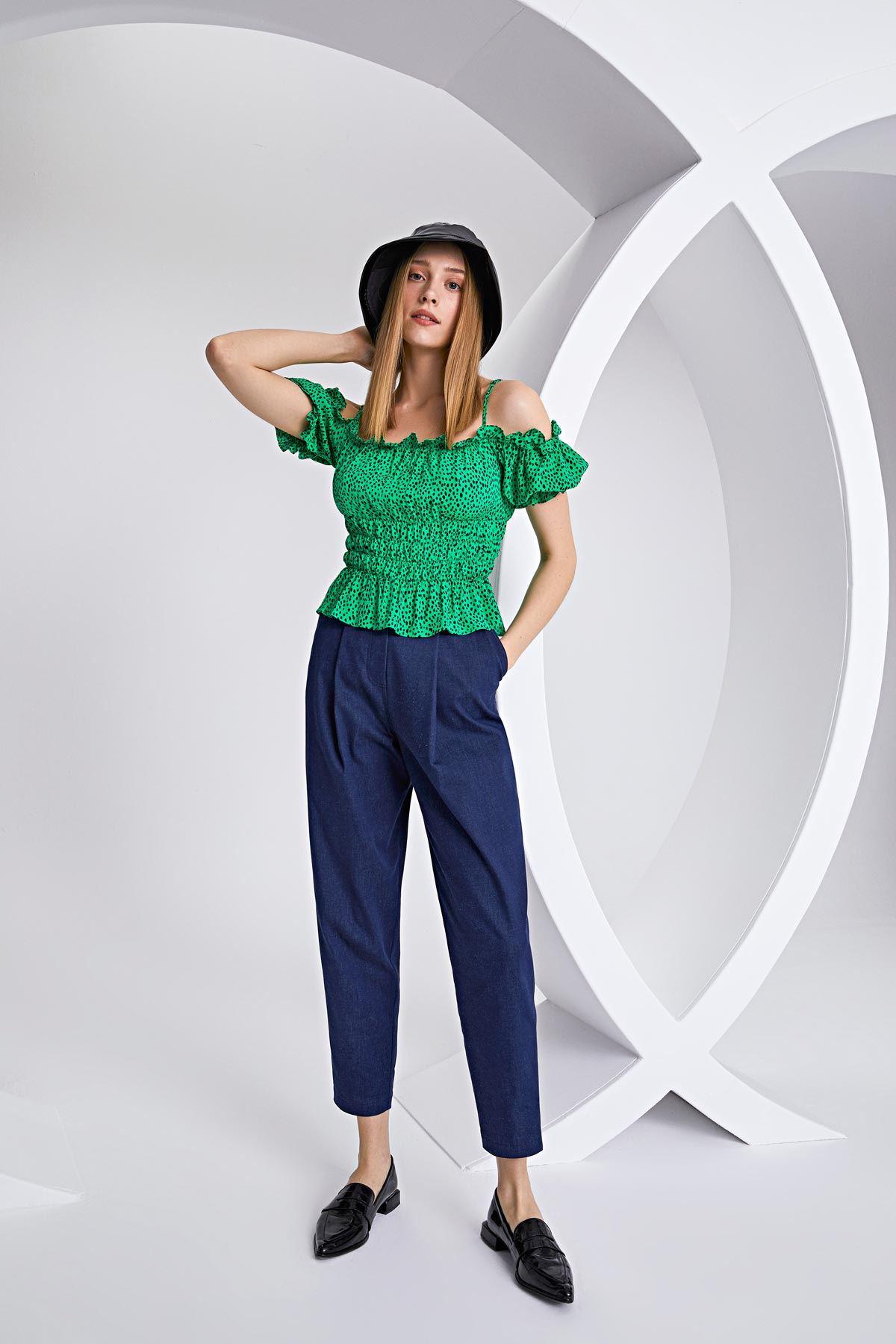 Omuz dekolteli puantiyeli bluz Yeşil
