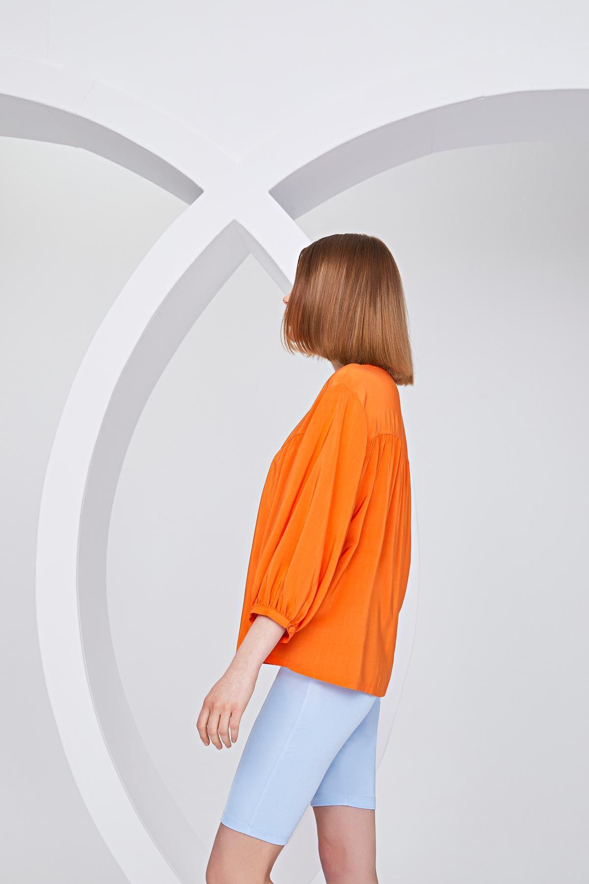 Düğme aksesuarlı bluz Oranj