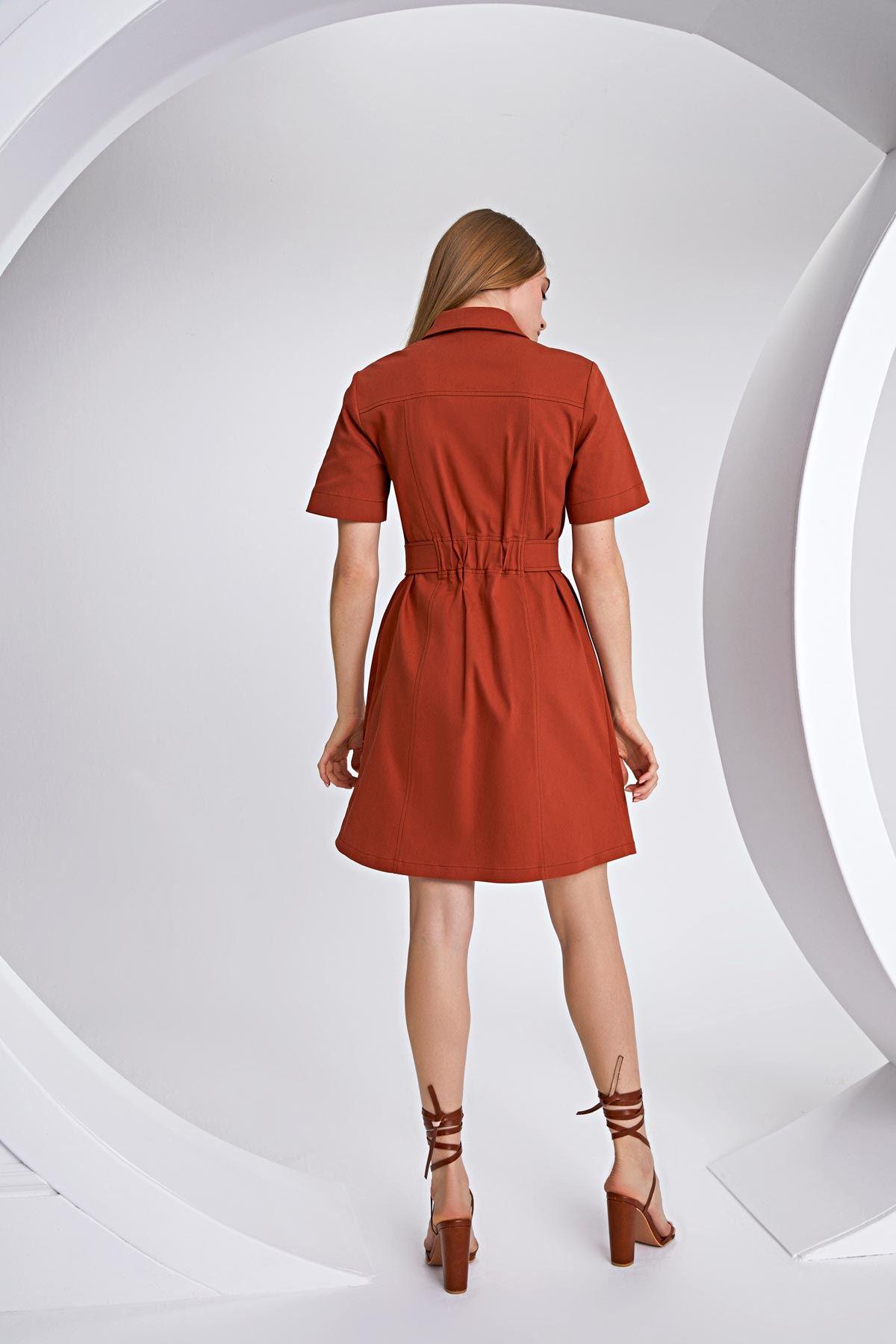 Önden düğmeli elbise Kiremit