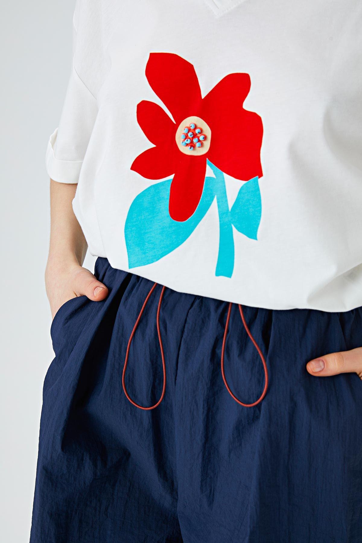 Çiçek baskılı t-shirt Ekru