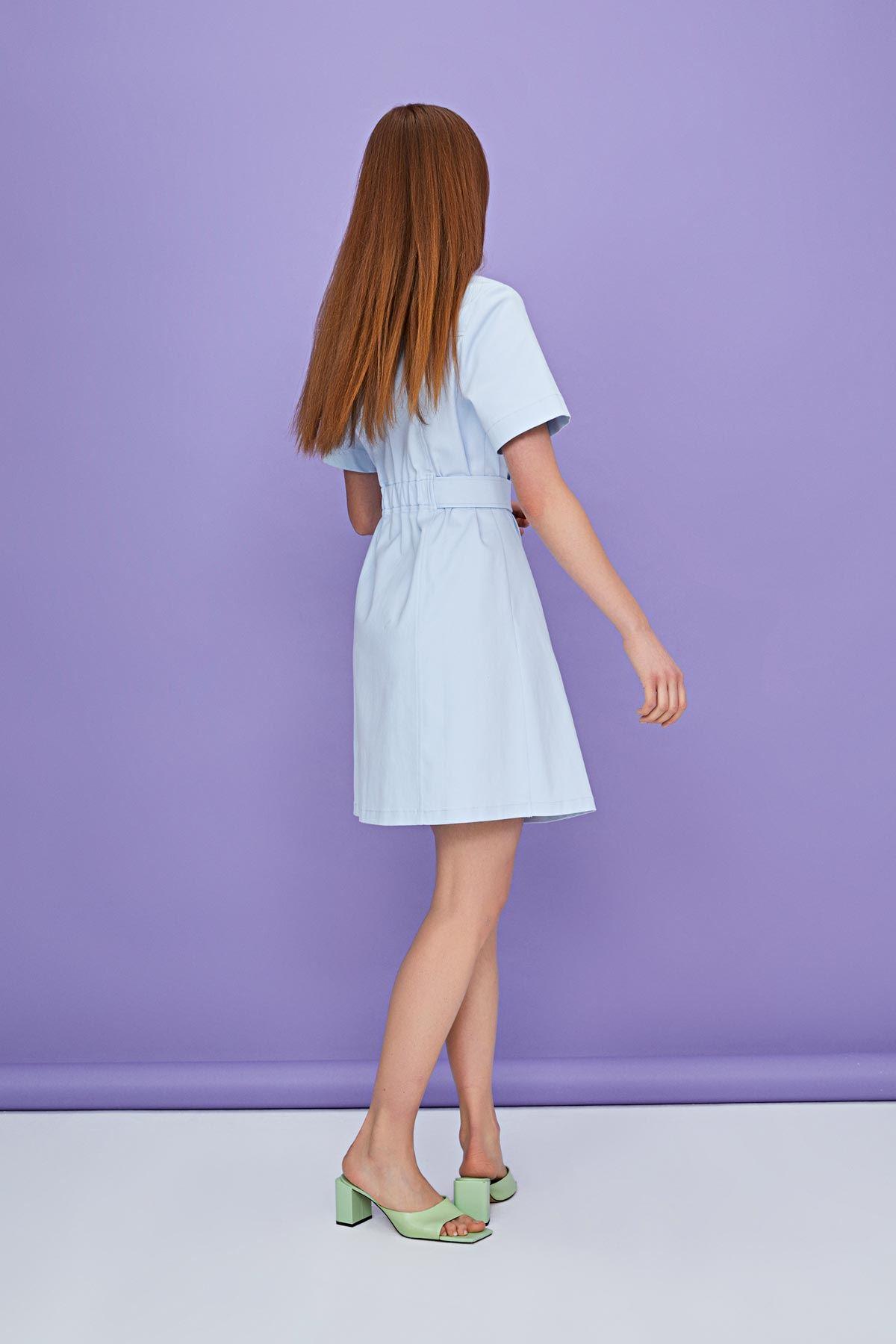 Önden düğmeli elbise Mavi