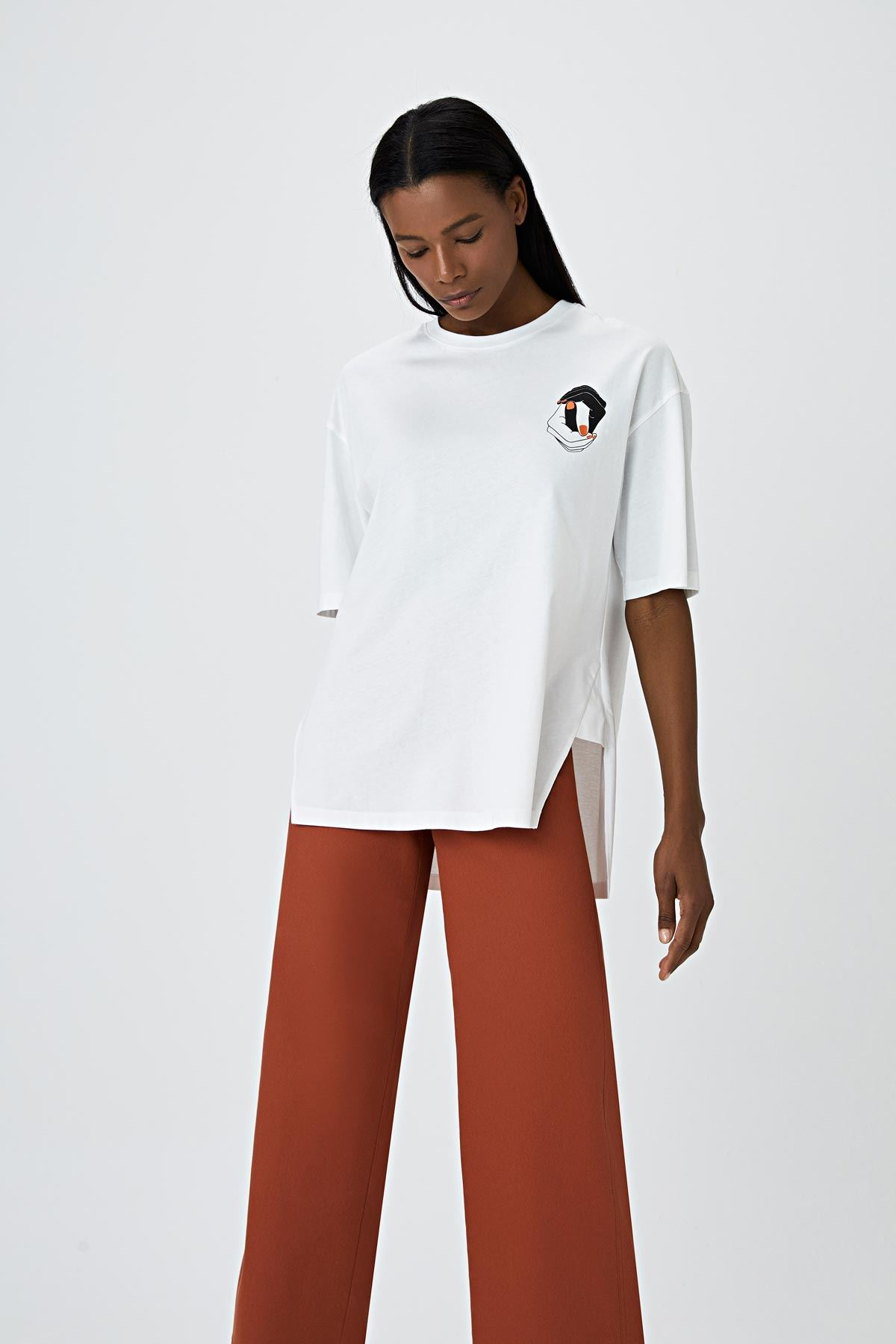 El baskılı t-shirt Ekru