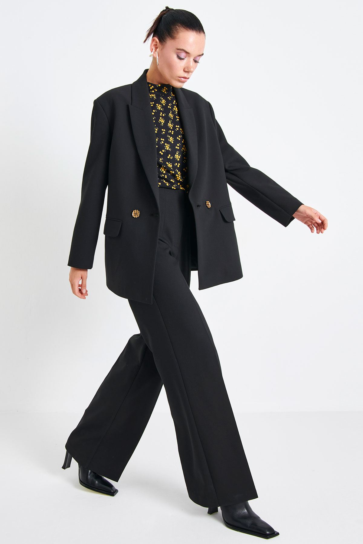 Gül Baskılı Ceket Siyah
