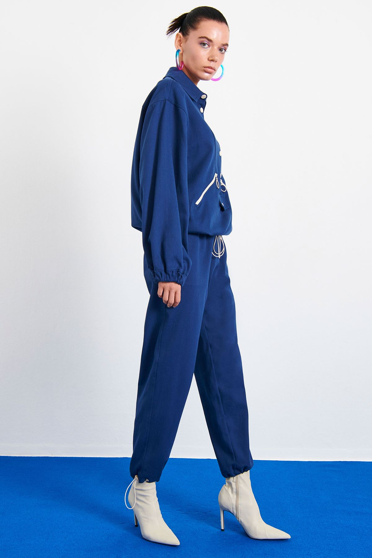 Kontrast Aksesuarlı Pantolon Lacivert